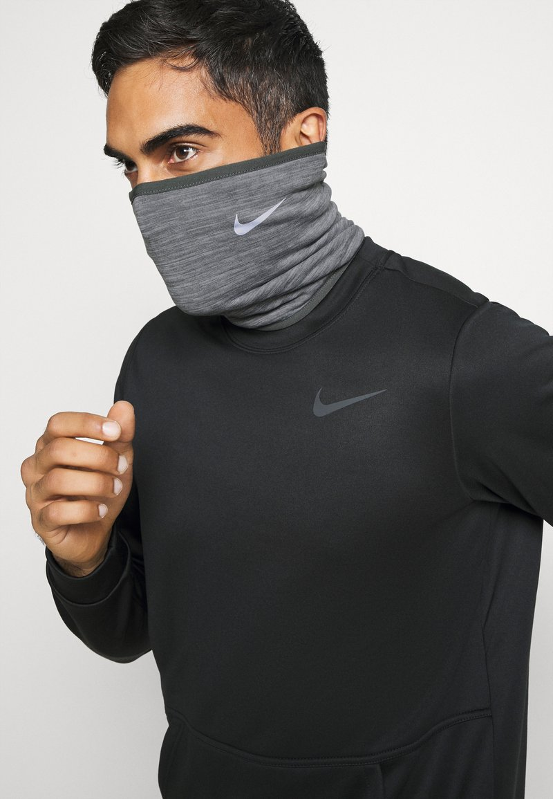 Nike Performance - RUN THERMA SPHERE NECKWARMER 3.0 - Schlauchschal - iron grey heather/silver