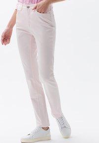 BRAX - MARY SLIM FIT - Straight leg jeans - pink - 0