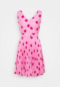 Closet - CLOSET V-NECK PLEATED DRESS - Day dress - pink - 3
