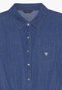 Guess - JUNIOR MIXED FABRIC SLEEVES DRESS - Denim dress - vintage dark blue - 3