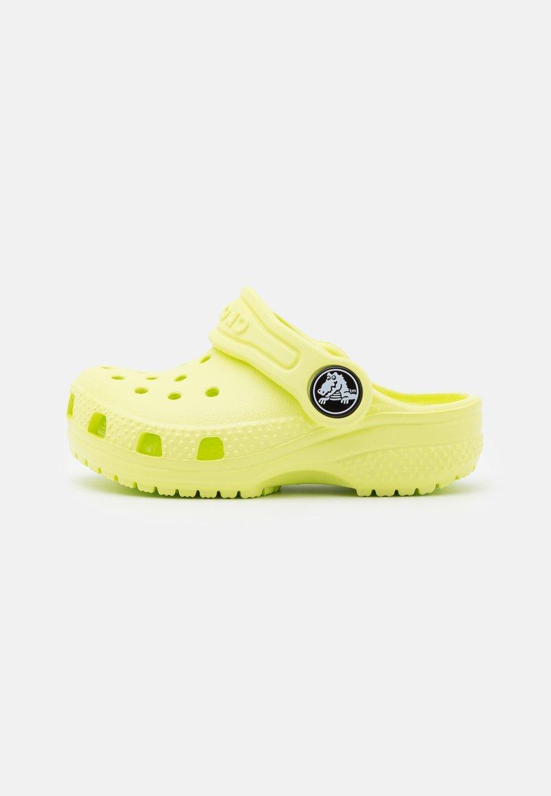 Crocs - CLASSIC CLOG UNISEX - Pool slides - lime zest