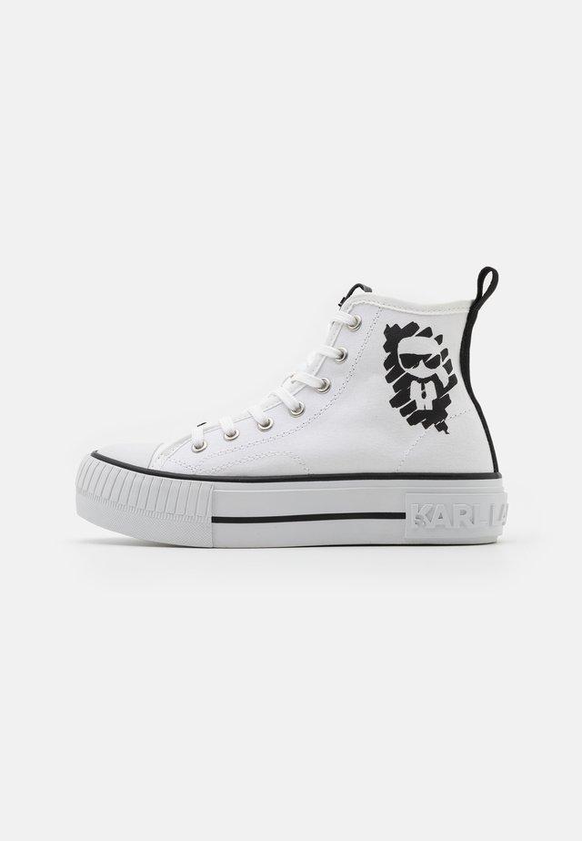 KAMPUS MAX IKONIC STENCIL MID - Sneakers hoog - white