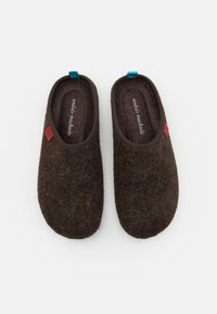 Andres Machado - DYNAMIC - Slippers - brown/blue - 3