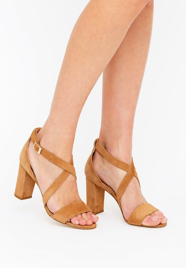 CHIARA - Højhælede sandaletter / Højhælede sandaler - biscotto