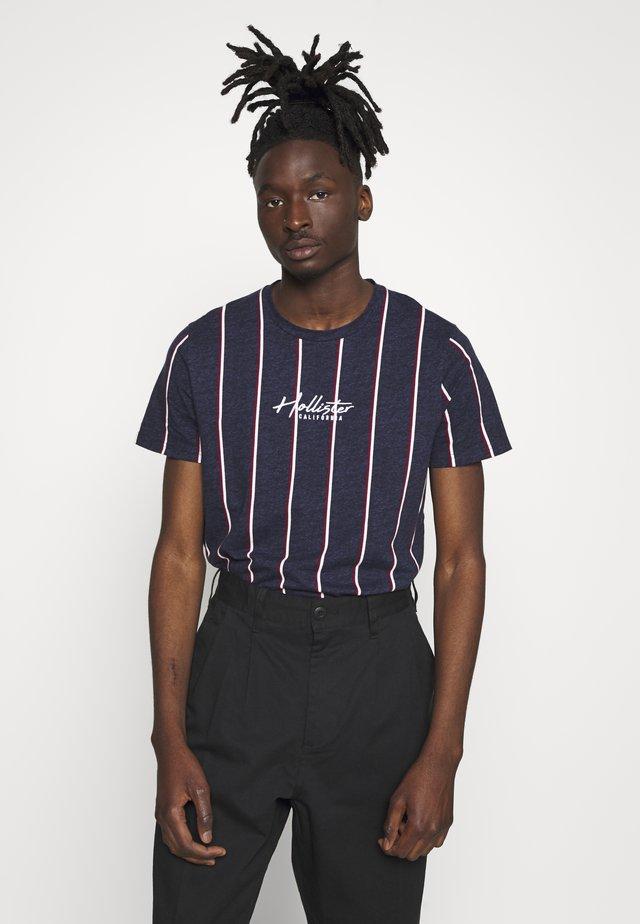 TECH LOGO STRIPES - T-shirts print - navy