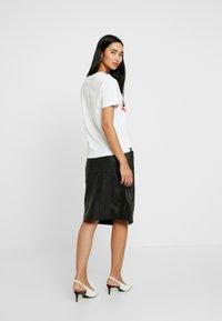 Dedicated - MYSEN FEMINIST LIPS - Camiseta estampada - white - 2