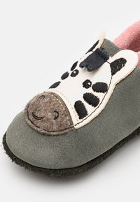 POLOLO - ZEBRA MÄDCHEN - First shoes - grau - 5
