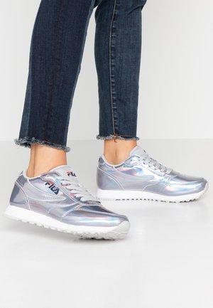 ORBIT - Trainers - silver iridescent