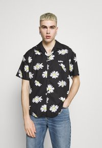 Mennace - DAISY PRINT REVERE SHIRT - Shirt - black - 0