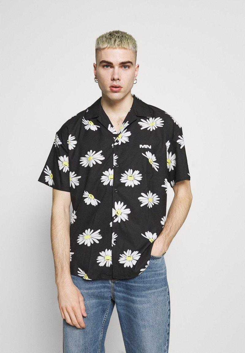 Mennace - DAISY PRINT REVERE SHIRT - Shirt - black