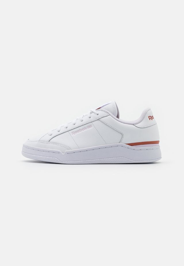 AD COURT - Tenisky - footwear white/luminous lilac/baked earth