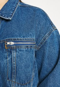 Missguided Plus - OVERSIZED JACKET - Giacca di jeans - indigo - 6