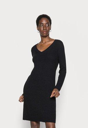 ONLMELTON LIFE DRESS TALL - Stickad klänning - black
