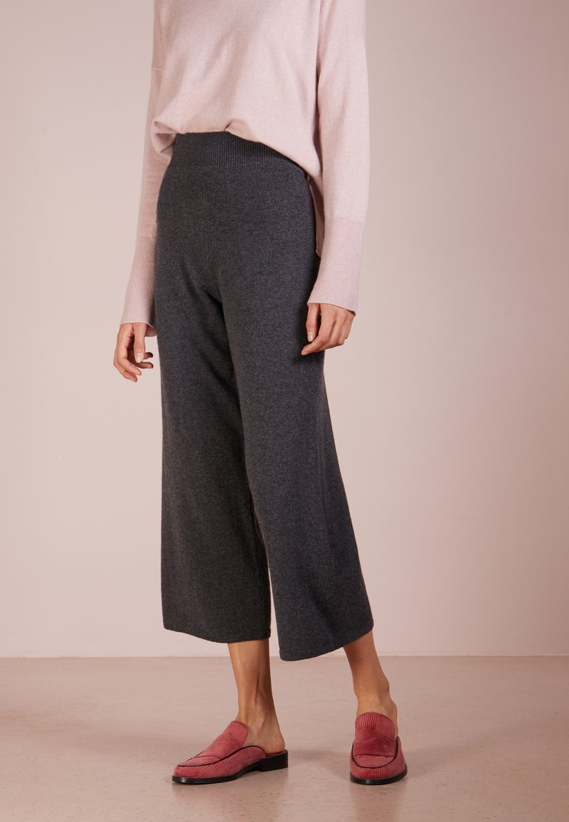 pure cashmere - LOOSE FIT PANTS - Trousers - graphite