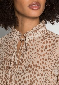 Rich & Royal - BLOUSE PRINTED WITH RUFFLES - Blouse - beige - 4