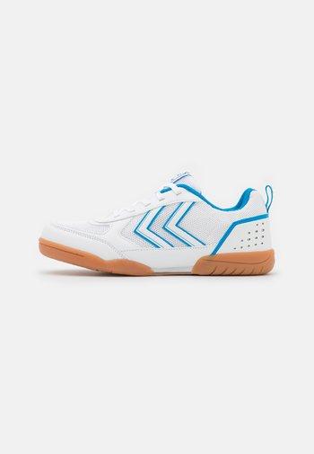 AERO TEAM 2.0 JR LC UNISEX - Sportovní boty - white