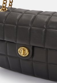 Versace Jeans Couture - QUILTED CROSSBODY - Across body bag - nero - 4