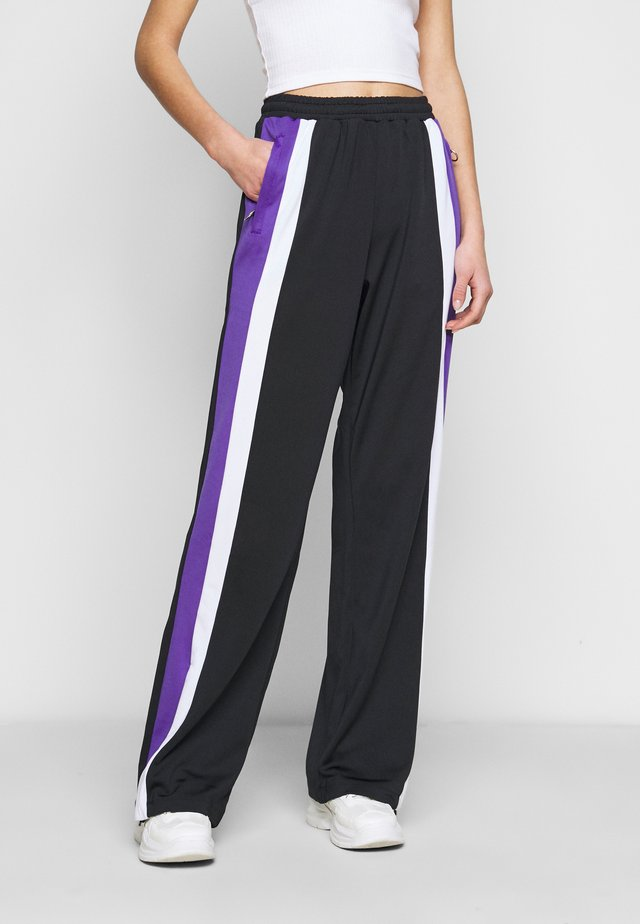 BECCA TRACK PANTS OVERLENGTH - Trainingsbroek - black/ultra violet/bright white