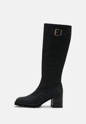 HIRUNE - Boots - dark green