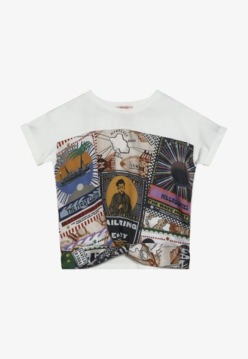 OVERSIZED SHORT SLEEVE TEE WITH PRINTED FRONT PANEL