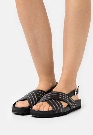 SLIM FIT CHAIN CORNER - Sandales - black