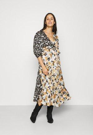 WRAP FRONT TIERED MIDAXI DRESS WITH TIE BELT - Vardagsklänning - mono mustard