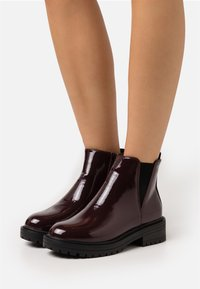 New Look - BOPIT CHELSEA CHUNKY - Platform ankle boots - dark red - 0
