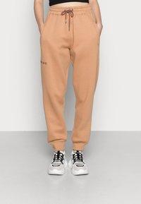 Missguided - LOOPBACK JOGGERS - Pantalones deportivos - camel - 0