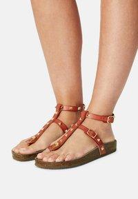 Madden Girl - BARNABY - T-bar sandals - light cognac - 0