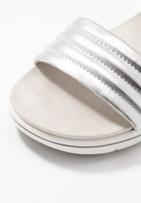 LOVE OUR PLANET by MARCO TOZZI - Sandalen met plateauzool - light grey - 2