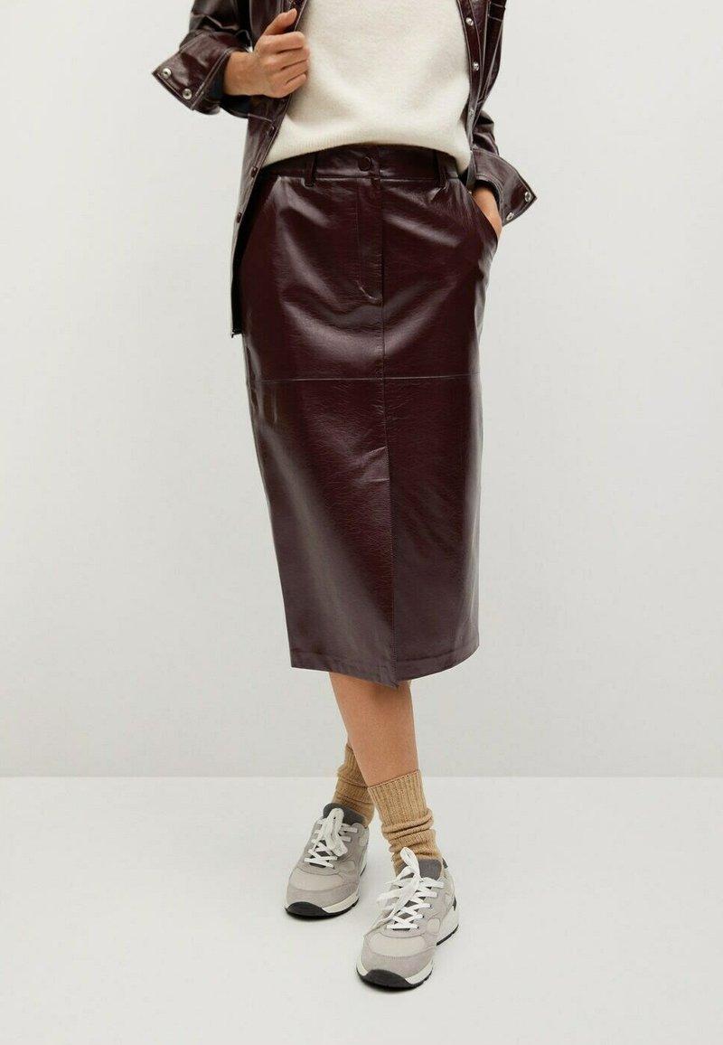 Mango - Leather skirt - donkerrood