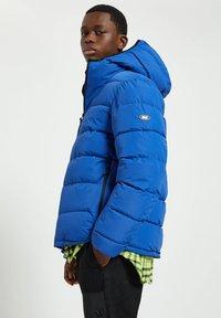 PULL&BEAR - Winter jacket - royal blue - 5