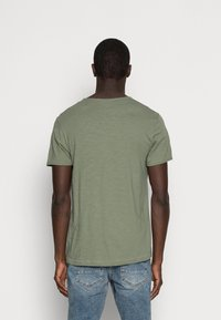 Selected Homme - SLHMORGAN O-NECK TEE - Basic T-shirt - sea spray - 2