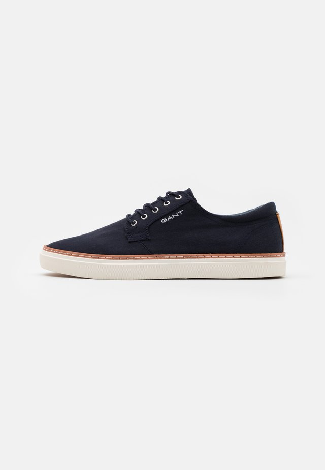 PREPVILLE LACE SHOES - Matalavartiset tennarit - marine