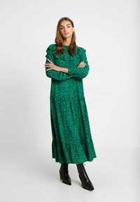 Topshop - YOKE CHUCKON MIDI   - Day dress - green - 2