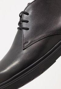 Walk London - PASCAL CHUKKA - Snørestøvletter - black - 5