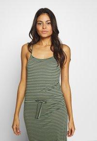 Brunotti - EMMA WOMEN DRESS - Doplňky na pláž - sage green - 3