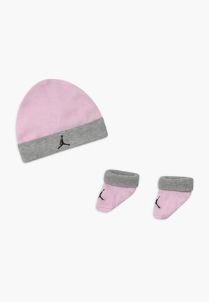 BASIC JORDAN SET  - Beanie - pink foam