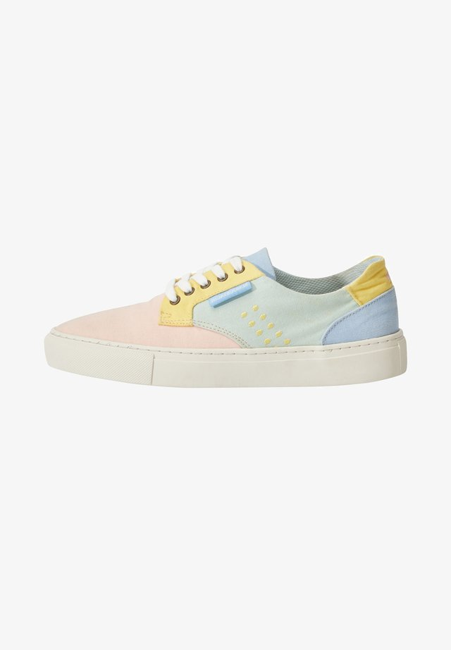 ALEXANDRA - Sneakers laag - multicolor