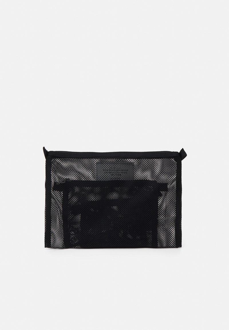 ARKET - SET UNISEX 3 PACK - Wash bag - black