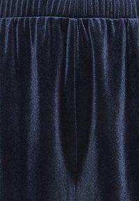 Vila - VIVELVETTA - Shorts - navy blazer - 2