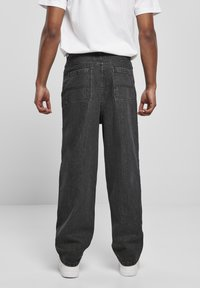 Urban Classics - Relaxed fit jeans - black acid washed - 2