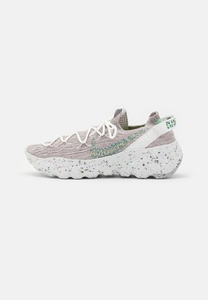 SPACE HIPPIE - Sneakers basse - summit white/mean green/photon dust