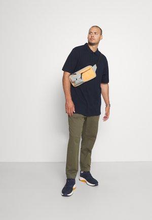 2 PACK - Polo shirt - navy blazer/black
