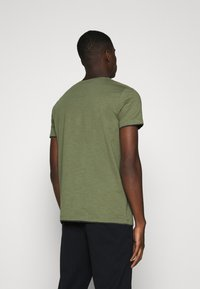 Esprit - T-shirt basique - khaki green - 2
