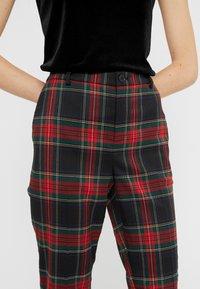 Lauren Ralph Lauren - NOVEL SUITING PANT - Bukse - black/red - 4