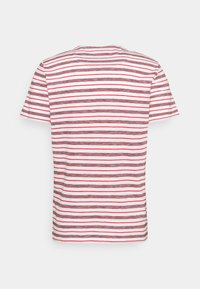 TOM TAILOR - STRIPED - T-shirt con stampa - powerful red - 7