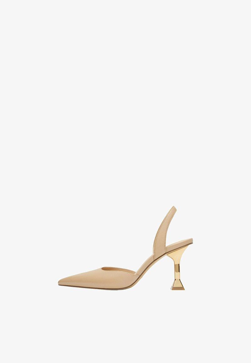 Uterqüe - MIT GOLDFARBENEM ABSATZ - High heels - beige