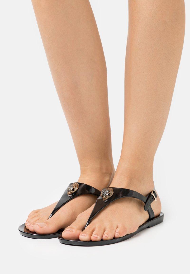 Kurt Geiger London - MADDISON - Sandály s odděleným palcem - black