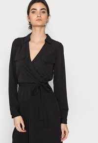 Vero Moda Tall - VMLOLENA DRESS - Hverdagskjoler - black - 3